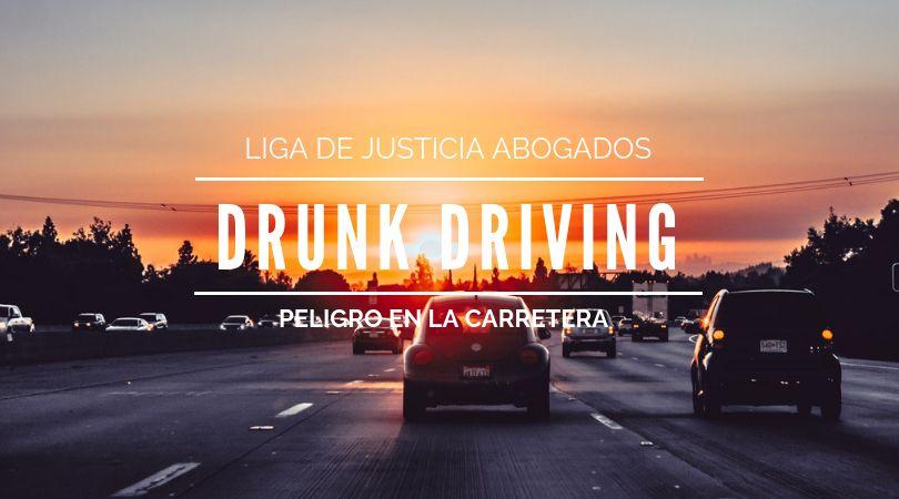 ¿Sabes identificar a un conductor borracho? Esta información te puede salvar la vida. Como prevenir accidentes en la temporada de fiestas.