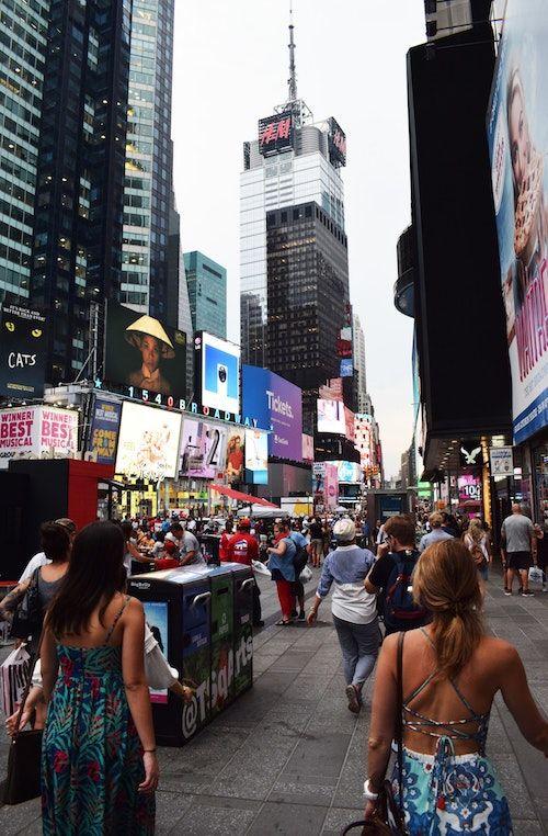 ¿Es negligente el dueño de un vendedor ambulante si un peatón se resbala frente a su stand en las calles de New York? Foto: Chris Barbalis.