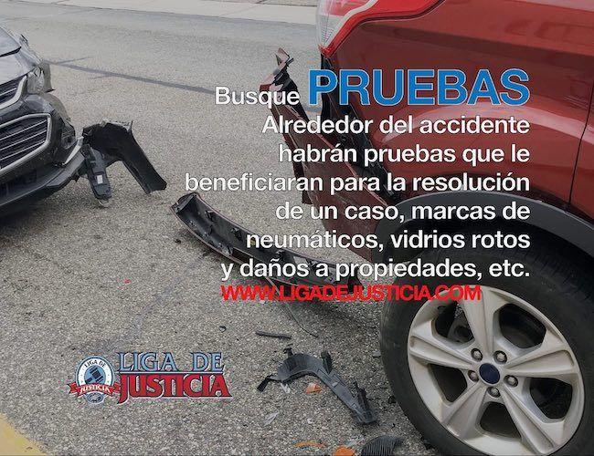 Las marcas de las llantas en el pavimento pueden ayudar a determinar la velocidad a la que transitaba el carro.
