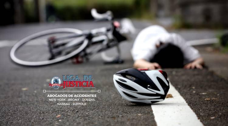 Mujer atropella a bicicleta y se da a la fuga. Abogados de accidentes de bicicleta en Bay Shore, Long Island.